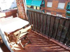 Horta residencial con balcon