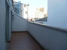 Cuatro caminos. Atico con terracita hacia patio