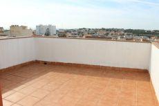 Sin muebles Duplex con terraza de 80 m2