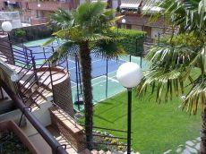 Apartamento en urb. Con piscina,