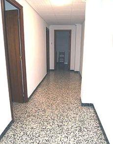 Se alquila piso en altabix 350