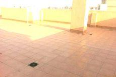 Se alquila piso cerca del centro comerc