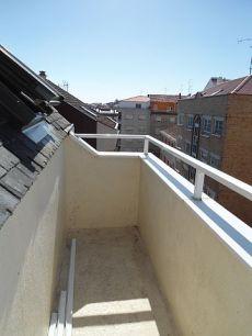 �tico con terraza en el calvario