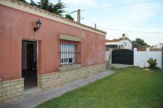 Se alquila casa en zona de Las Canteras