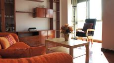 Piso amueblado de 3 dormitorios y 2 ba�os en finca seminueva