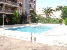 Piso amueblado exterior con piscina