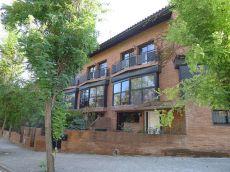 Casa adosada a un paso de la Estaci�n