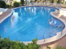 Piso reformado, con piscina comunitaria