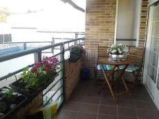 Muy luminoso, terraza, patio, garaje y trastero.
