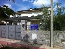 Chalet pareado de 5 hab 4 ba�os en zona recidencial