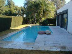 Chalet individual sin amueblar de 4 dormitorios con piscina