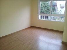 Piso de 2 habitaciones recien reformado.