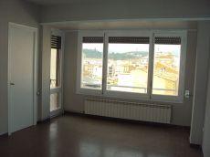 Manresa. Valldaura. 4 habitaciones. Acabado de pintar.