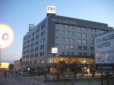 Hotel ac 3 dormitorios, 2 ba�os, garaje