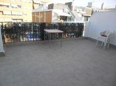 �tico con terraza en el centro