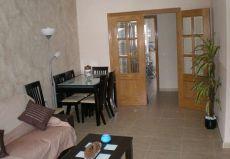 Estupendo piso amueblado. Nueva Santa Luc�a.
