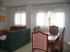 Piso de tres dormitorios y dos ba�os, amplio y luminoso