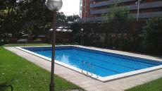 Estudio reformado y con piscina junto plaza espa�a
