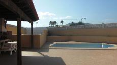 Alquiler mensual de chalet con piscina en el castillo
