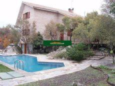 Chalet independiente con 4 habitaciones, 3 ba�os, piscina