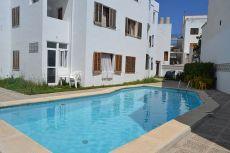 Apartamento con 2 dormitorios y piscina comunal