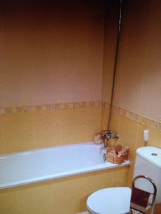 Amplia casa de alquile en banyeras