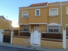 Alquiler casa terraza y calefaccion -