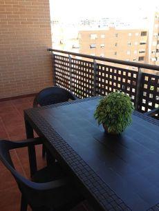 Amplia terraza, todo exterior
