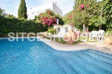 Amplia casa rustica con piscina
