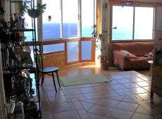 Se alquila piso con vistas al mar, piscina, garaje