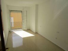 Piso de 3 dormitorios amplio y junto al Centro de M�laga.