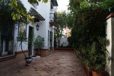 Estupenda casa en una magn�fica zona de Sevilla