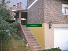 Chalet pareado de 3 habitaciones, 4 ba�os, piscina privada