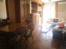 Piso amueblado de 4 dormitorios con garaje
