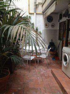 Acogedor piso amueblado con terraza en Eixample-No agencias
