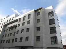 Apartamento amueblado con garaje y centrales incluidos