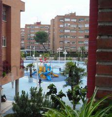 Piso en urbanizaci�n con piscina en Torrej�n de Ardoz