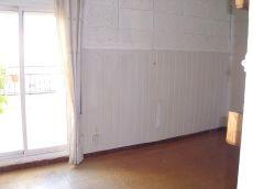 �tico sin muebles con terraza de 12 m2.