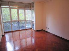 Amplio piso de un dormitorio en calle padre claret 10a