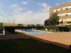 120 m2 piso, zonas comunes, piscina, 3 hab, 2 ba�os.