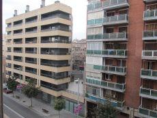 Se Alquila Piso de 120 m2, 4 habitaciones, luminoso y bien s