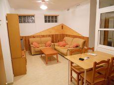 Bonito piso bajo, seminuevo y c�ntrico. Incluye garaje