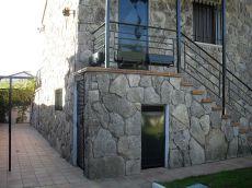 Chalet indep. , jardin, piscina, 500 m2 parc. , 200 m2
