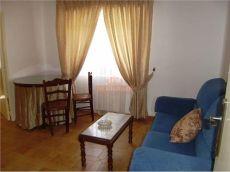 Se alquila piso zona ensanche- circunvalacion tres dormitorios y un ba�o