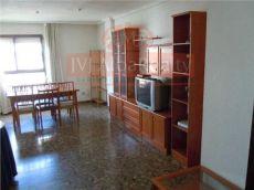 Se alquila piso en avda espa�a corte ingles de 3 dormitorios y 2 ba�os, especial estudiantes