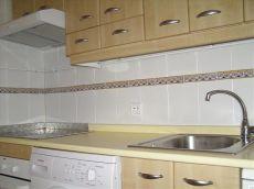 Piso semiamueblado con 3 habitaciones, 1 ba�o, garaje, pisci