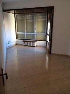 Piso de 5 habitaciones en el centro de Manresa