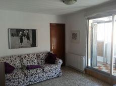 �tico con terraza, ideal para familia o estudiantes.
