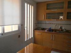 Duplex amueblado con sotano, patio y porche