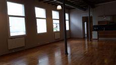 Loft 114m2, con o sin muebles, grandes ventanales mucha luz